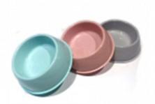 Миски пластмассовые, разные цвета, средняя